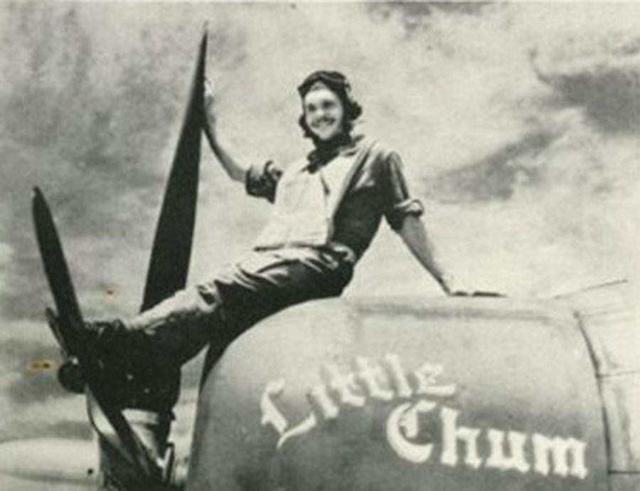 Lt. Searles with his P-47, Little Chum.
